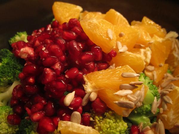 sprød og frisk broccolisalat i en fedtfattig version